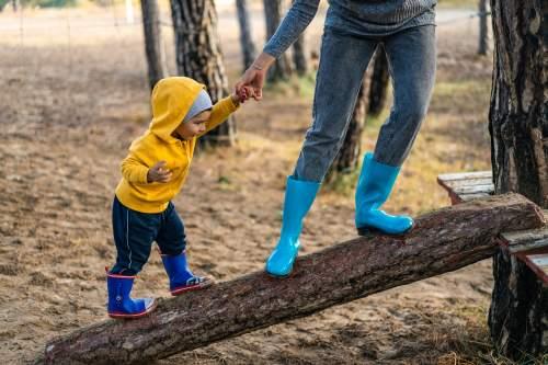 Fun and Inexpensive Indoor Family Activities