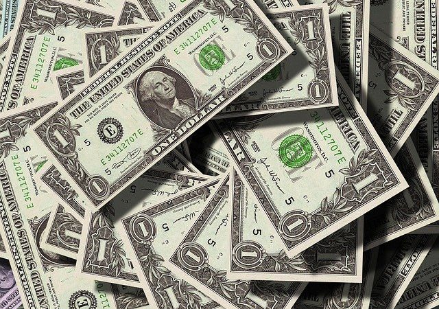 What to Include When Writing a Sermon About Money